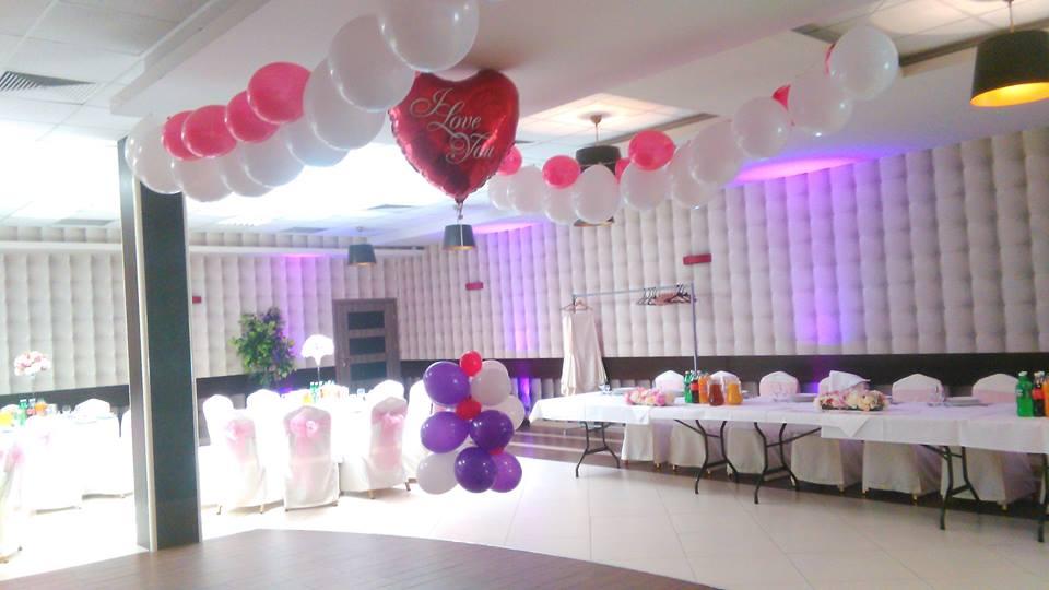 Balony i atrybuty na hel na weselu