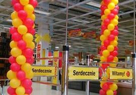 Otwarcie marketu poco - czerwono-żółte balony