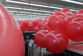 Czerwone balony w kształcie serca