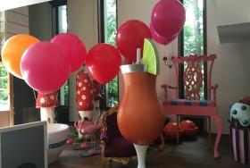 balony z helem w owocowych kolorach