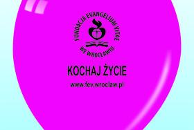 Balon w kolorze fuksji z nadrukiem logo Fundacji Evangelium Vitae