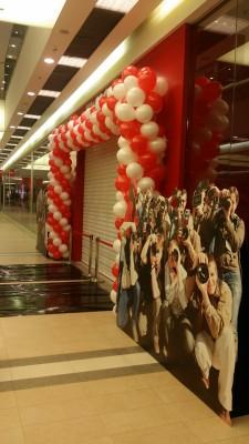 Dekoracje balonowe - brama z balonów