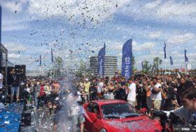 Pokaz konfetti podczas ogłoszenia finału na najlepszy samochód!