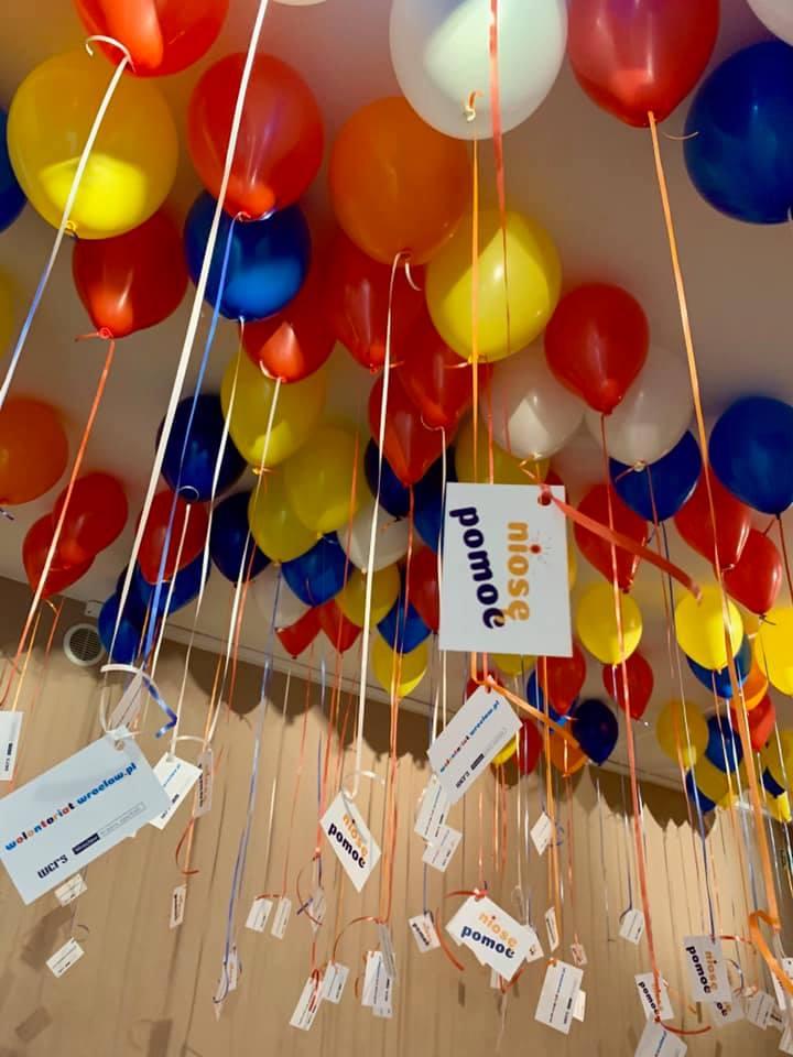 Balony Wrocław - zdjecie dekoracje-balonowe-dla-niose-pomooc-we-wroclawiu-5