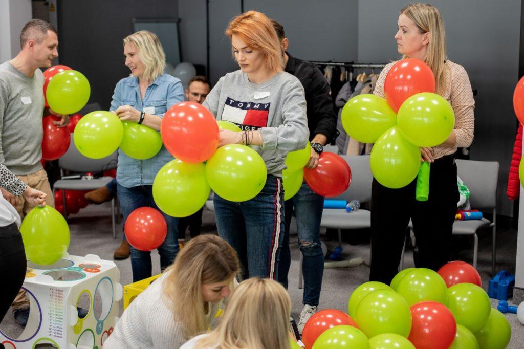 Balony Wrocław - zdjecie dekoracje-balonowe-szkolenie-13