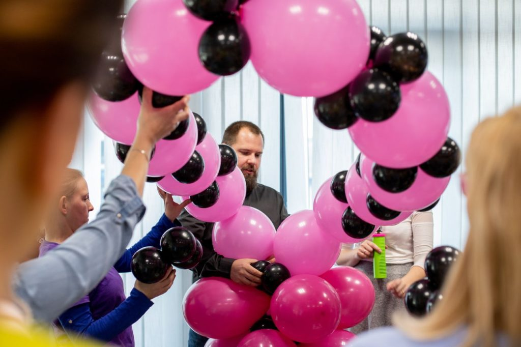 Balony Wrocław - zdjecie dekoracje-balonowe-szkolenie-2