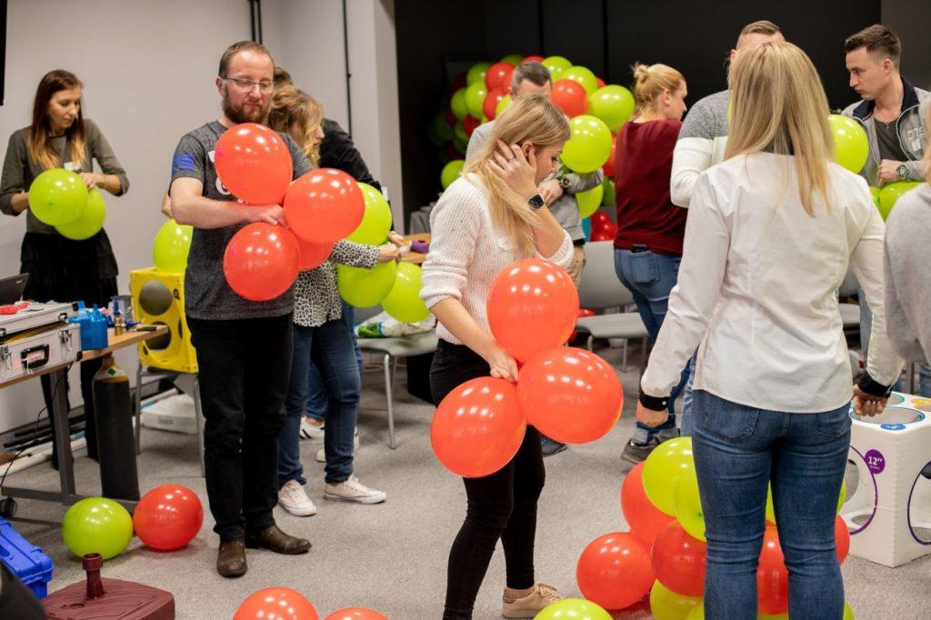 Balony Wrocław - zdjecie dekoracje-balonowe-szkolenie-22