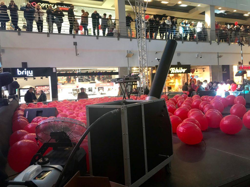 Balony Wrocław - zdjecie pokazy-konfetti-1