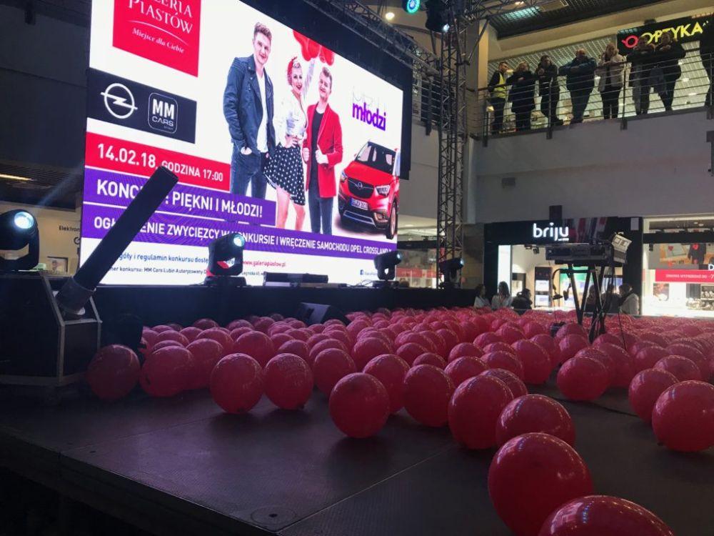 Balony Wrocław - zdjecie pokazy-konfetti-13
