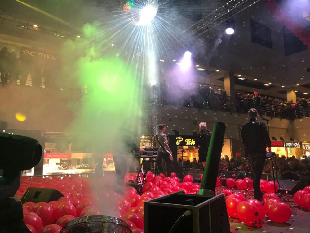 Balony Wrocław - zdjecie pokazy-konfetti-16