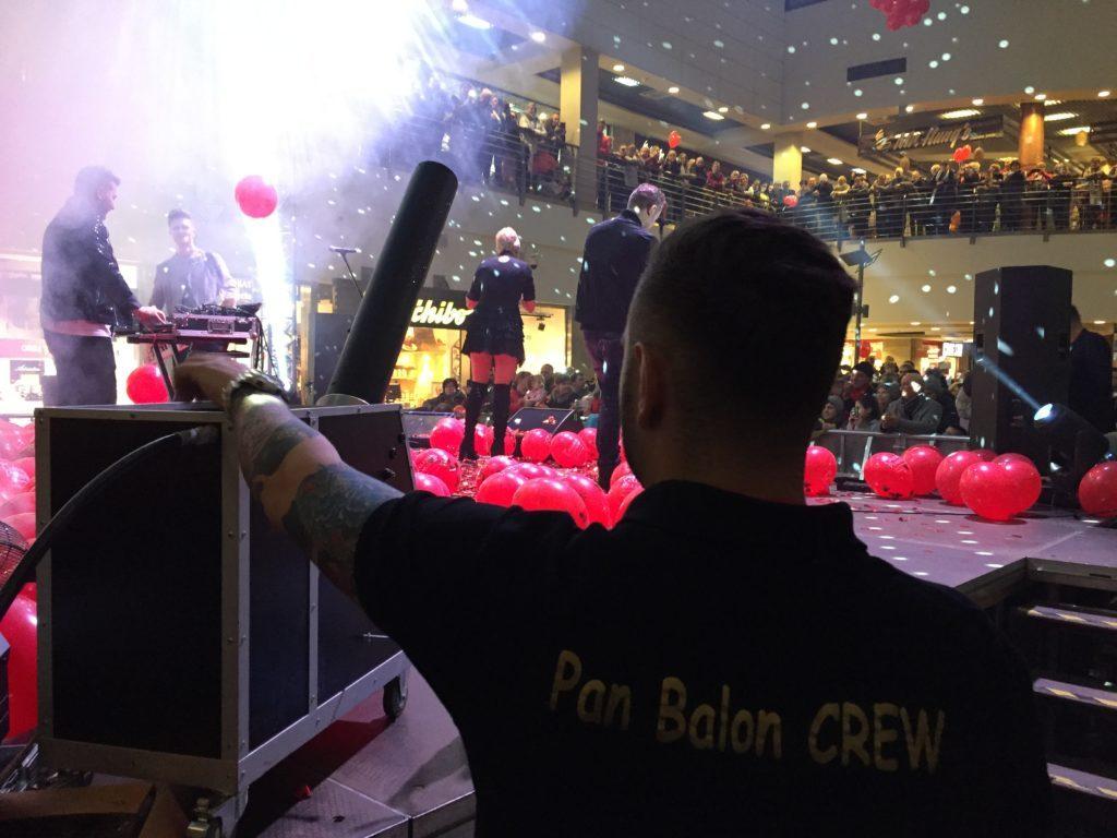 Balony Wrocław - zdjecie pokazy-konfetti-5