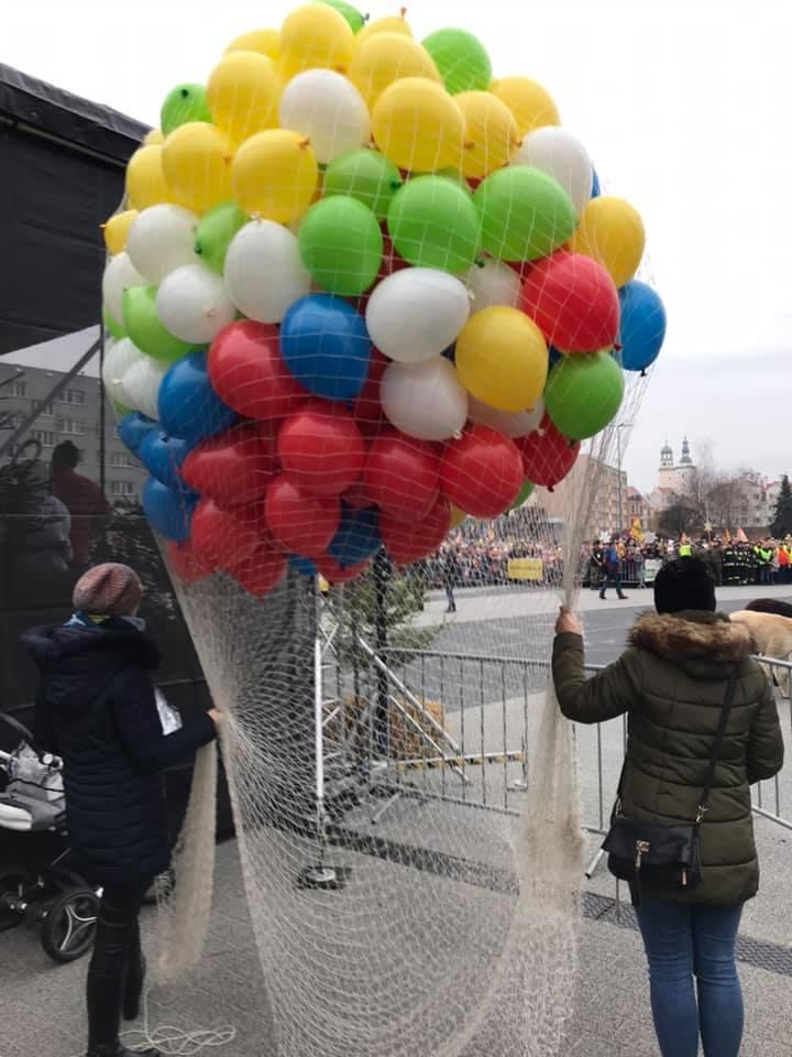 Balony Wrocław - zdjecie wypuszczanie-balonow-z-siatki-01-2020-1